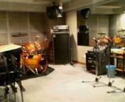 ローリングピアノとスタジオ